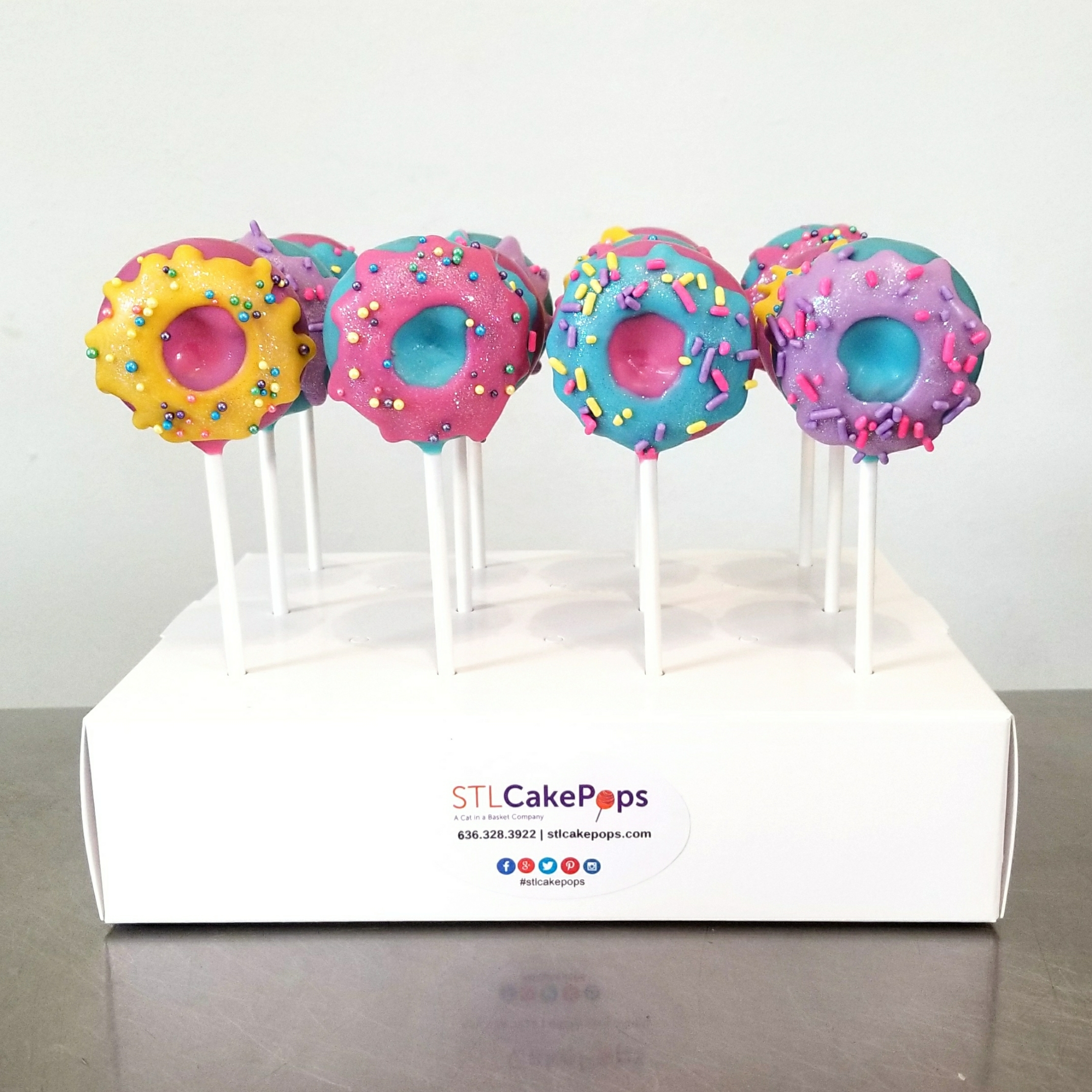 donut cake pops stl cake pops st louis mo. Black Bedroom Furniture Sets. Home Design Ideas